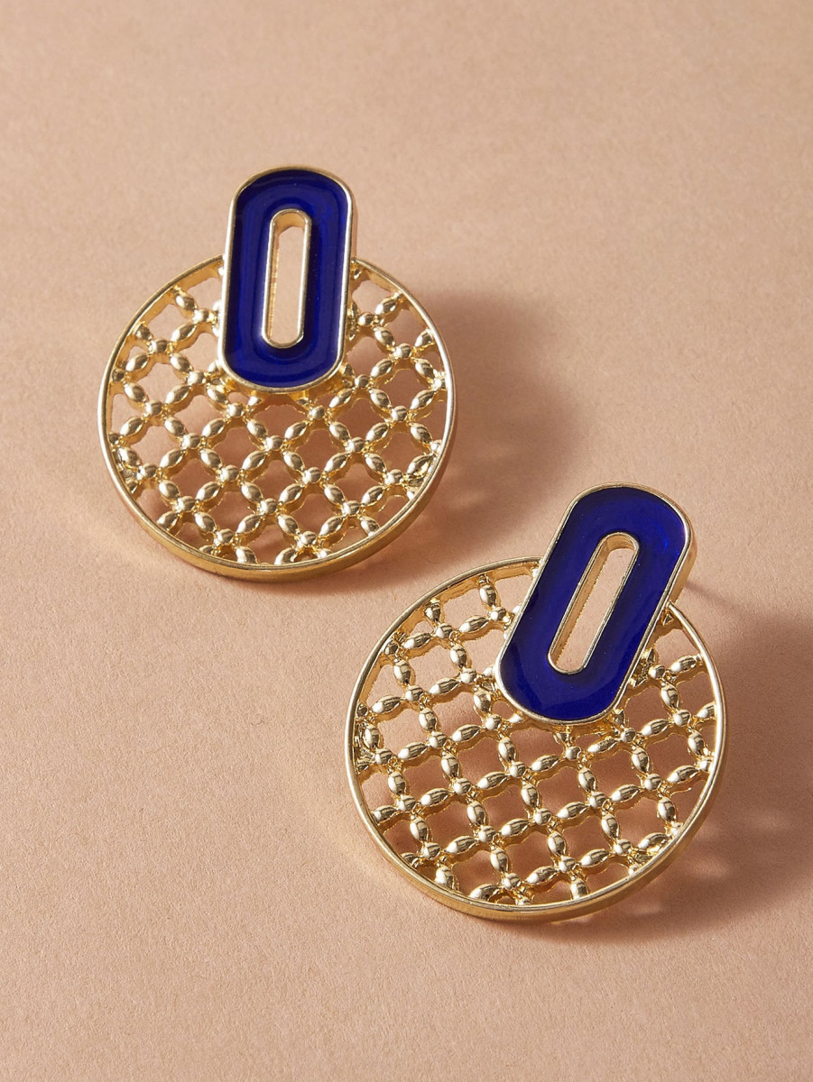 1pair Hollow Out Round Stud Earrings