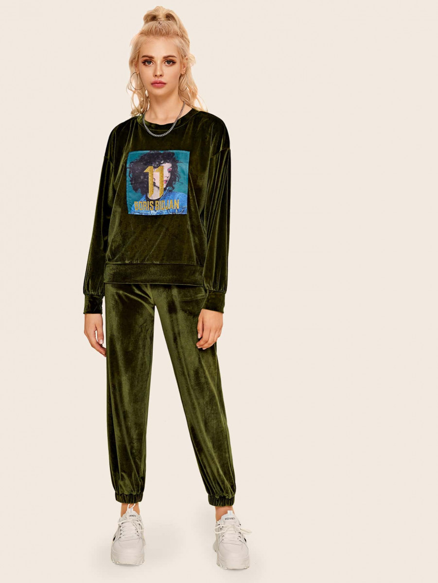 Figure And Letter Graphic Velvet Sweatshirt & Velvet Sweatpants