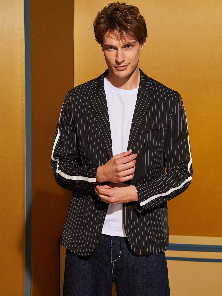Men Tape Side Pocket Front Striped Blazer